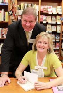 Bob_&_Carol_book_signing